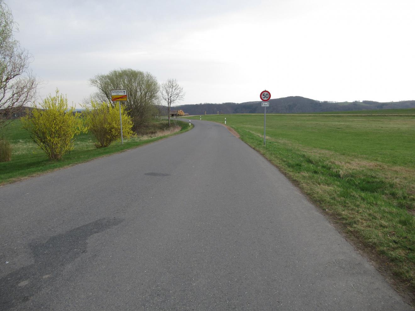 Beweissicherung - vor Baubeginn - Deponie Cunnersdorf - Zufahrt Straßenabschnitt Lange Straße 37, Glashütte / OT Schlottwitz
