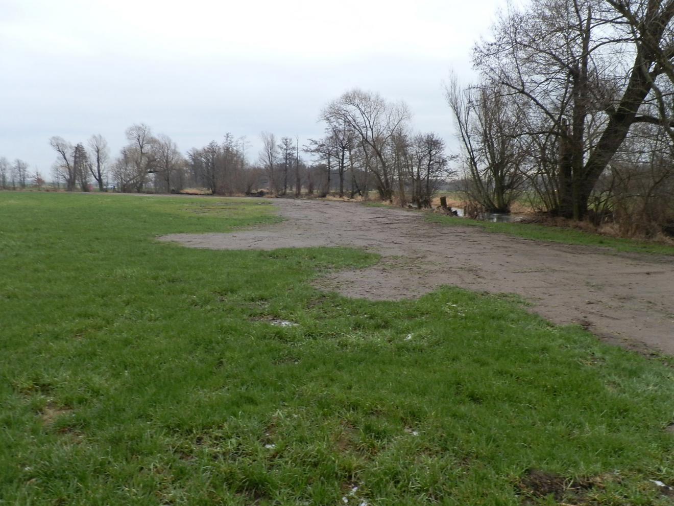 Deichsanierungsmaßnahmen nach Hochwasser 09/2010 im Rödergebiet aufgrund Gefahr in Verzug bei neuerlichem Hochwasser Große Röder - Abschnitt GRR 5 - Sohlgestaltung Altwasser Große Röder
